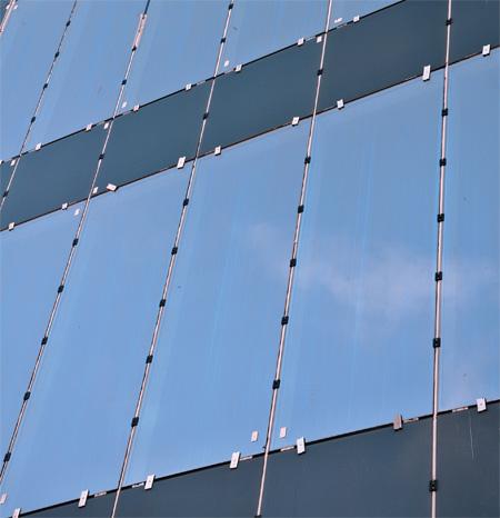 Вертикальные полосы на стеклопакете
